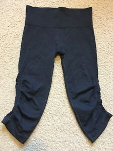 Lululemon In The Flow Crop Size 4 Heathered Navy Inkwell (?) Blue