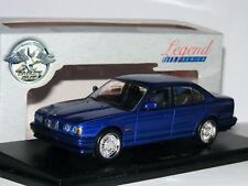 Eagles Race/Universal Hobbies 465500 1989 BMW M5 E34 Azul Metálico 1/43