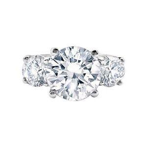 3.85 ct H SI1 ROUND CUT DIAMOND 3 STONE ENGAGEMENT RING