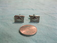 Small Silver Plated Rectangle Lined Center Diamond Shape Cufflinks         DH17