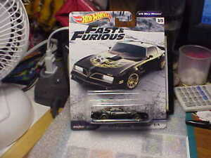 Hot Wheels Fast & Furious '77 Pontiac Firebird T/A with Real Riders