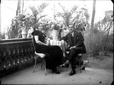 Couple homme femme robe de soirée terrasse - négatif photo plaque verre an. 1930