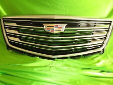 17 18 Cadillac XT5 Grille New GM 84107964 Black and Chrome Sku N3-21