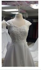 Mary's Bridal Wedding Dress, A line Size 16 w/ Veil, Bow, Gloves, Bag & Pocket!