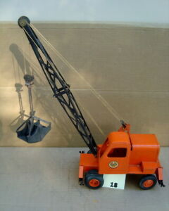 Model Toy 1949-1952 Truck Crane w/ thumbwheel   (SG # 18)