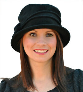 Ladies Super Soft Fleece Cloche Hat With Piping & Bow Detail Choice of Colours