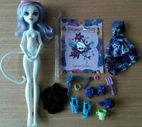Monster High Poupée + Autres Mattel Catrine DeMew Gloom And Bloom