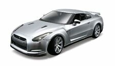 Maisto 39294 - Nissan GT- R 2009 Silver Metal Kit 1/24th Scale - Tracked 48 Post