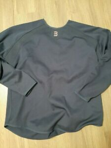 GAME USED RED SOX SWEATSHIRT OF CHRISTIAN VASQUEZ