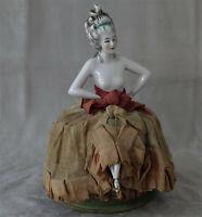 Demi-figurine « Marquise » Porcelaine avec ses Jambes Teepuppe Half-Doll ca 1900