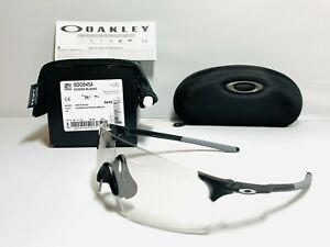 New Oakley Evzero Blades Sunglasses Photochromic Transitions Clear to Black Lens