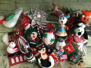 HUGE VINTAGE Christmas lot of ornaments and decorations - Santa Beaded Felt