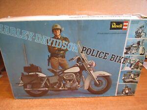 BIG  1/8 harley police bike  complete     1969