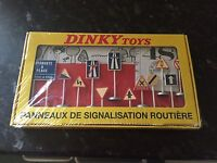 Atlas Editions - Dinky Toys, No 593, Set of 12 French Road Signs, Sealed.