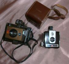 Lot de 2 appareils photos vintage : Kodak brownie flash camera & Polaroid EE33