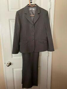Womans Studio Tahari Gray Pant Suit - Size 14
