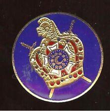 ENAMEL BADGE Pin tacpin KNIGHT ARMOR SWORDS pinback Demaloy Masonic boys