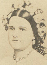 MARY TODD LINCOLN WITH FLOWER IN HER HAIR. CDV.