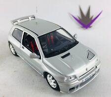 Universal Hobbies Renault Clio Maxi 1/43 sans boîte