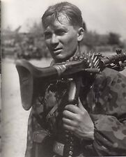 German Soldier with MG34, Classic Photo, MG42 WWII World War Two Wehrmacht