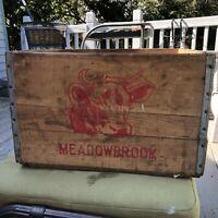 VINTAGE MEADOWBROOK FARMS WOOD MILK CRATE RED STAMPED INK COW HAS DAMAGE