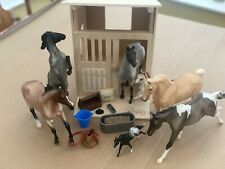 More details for breyers horse and stable plus accessories bundle