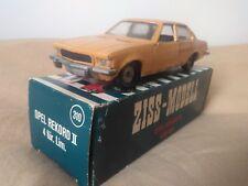 Antigua miniatura Ziss RW #310 Opel Rekord II 1972. 1:43 R.W.-Modell. Mini-Auto.