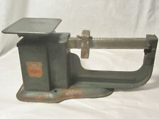 """VINTAGE TRINER """" AIR MAIL ACCURACY SCALE """" / METAL / 9 OUNCE CAPACITY"""