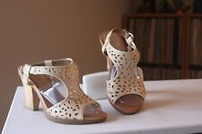 Naya Alpine Beige Leather 3.5 Inch Bamboo Heel Slingbacks Sandals Size 7 Medium