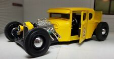 1:24 Scale Yellow 1929 Ford Model A Outlaws Hot Rod Custom Diecast Model 31354