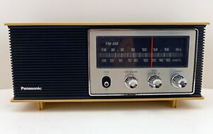 Vintage Panasonic Model RE-6283 AM FM Table Radio