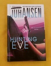 Hunting Eve by Iris Johansen, Hardcover, 2013, Large Print, Large Type
