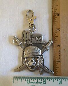 Pirates of the Caribbean SKULL/CROSSBONES Key ring Key Clip WDW Disney