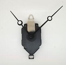 mécanisme de pendule, horloge à quartz + système de balancier + aiguilles trou