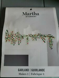 Martha Stewart Crafts Christmas Paper Garland, Green and Red