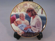 """Avon """"A Mother's Love"""" 2000 Mother's Day Plate by Missy Jenkins"""