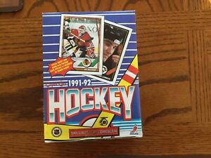 O PEE CHEE  1991-1992 OPC Hockey Wax Box 36 sealed packs
