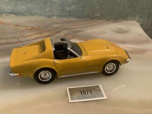 LE Action Zora Arkus-Duntov mustard 1971 C3 Corvette. 1:32 Die-cast