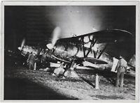 Fiat CR.42 -Jäger beim Nachtangriff, Orig-Pressephoto, um 1940