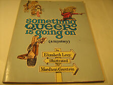 Paperback SOMETHING QUEER IS GOING ON Elizabeth Levy 2nd Printing 1976 [Y36]