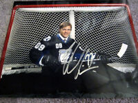 VICTOR HEDMAN Tampa Bay Lightning Signed AUTOGRAPHED 8x10 Photo w/ COA