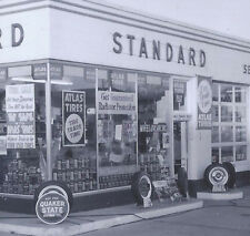 1950s PHOTO MILWAUKEE WI CARL'S STANDARD OIL SERVICE STATION 76 & CENTER STS
