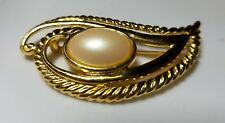 Vintage Gold Tone Faux Pearl Pin Brooch Retro Jewelry Unbranded