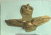 1950's RAF Royal Air Force Officer Eagle & Crown Badge Brass screwback