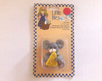 """1994 Suzi Little Blessings Handmade Clay Figurine Mouse W/ Cheese 2"""""""