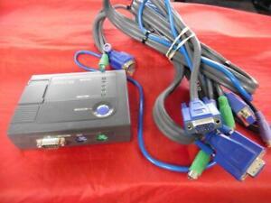 Linksys KVM100SK ProConnect KVM Switch w Cables Bundle