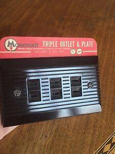 NEW OLD STOCK BROWN Bakelite Triple Outlet & Plate Combination Ribbed Monowatt