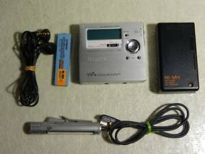 Sony MD Walkman MZ-R909 Portable MiniDisc Recorder Player Silver Used W/cable