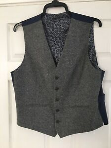 M&S Mens Tailored Fit Waistcoat Size Med Reg Grey