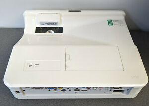 SMART U100 Projector XGA Ultra Short Throw (UST) Projector 2323 Hours lamp usage